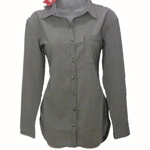 The North Face Stevie button down long top NWT